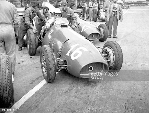 Farina Ferrari 500 pits British GP Silverstone 1952