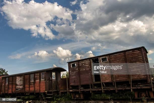 faringe trainstation - faringe fotografías e imágenes de stock
