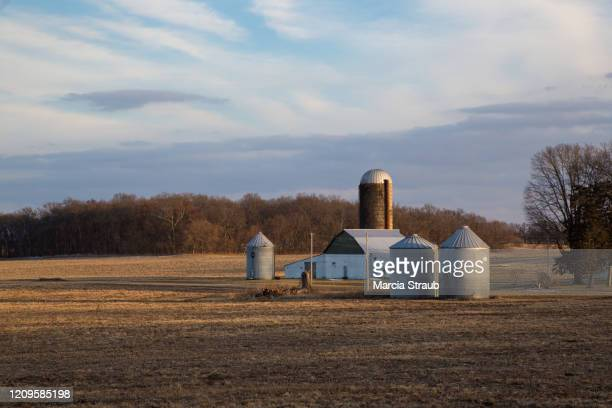 farm  in the midwest usa - illinois stock pictures, royalty-free photos & images