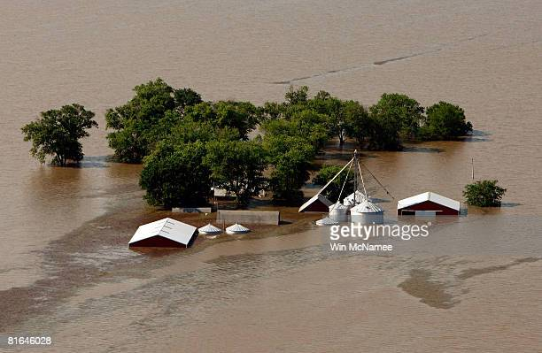 30 Top Mississippi River Towns Brace For Major Flooding