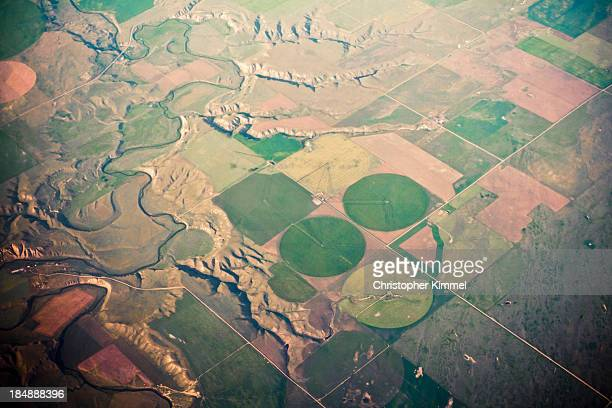 farm landforms - crop circle stock pictures, royalty-free photos & images