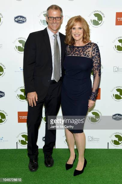 Farm Sanctuary President Gene Baur and honoree Carol Leifer attend the 2018 Farm Sanctuary on the Hudson gala at Pier 60 on October 4 2018 in New...