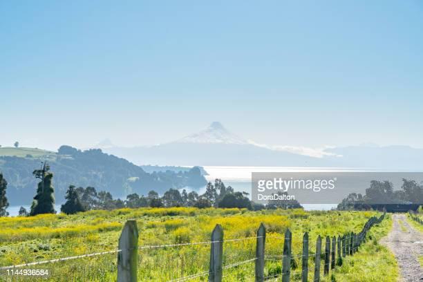 En gård utsikt över Llanquihue på morgonen i chilenska Lake District, Chile.