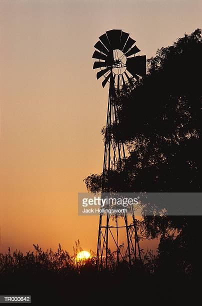 farm windmill - american style windmill stock pictures, royalty-free photos & images