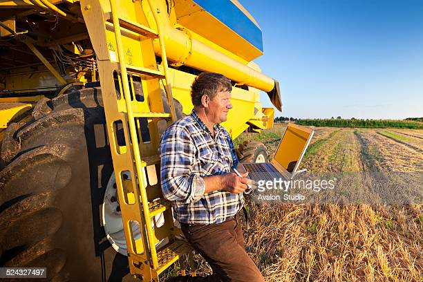 Farmer calculates earnings