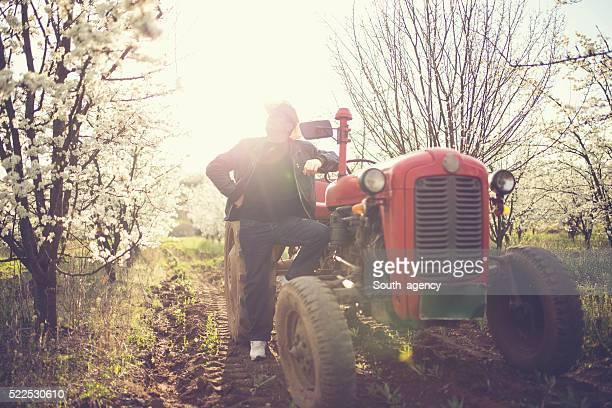 Agriculteur profite de la vue