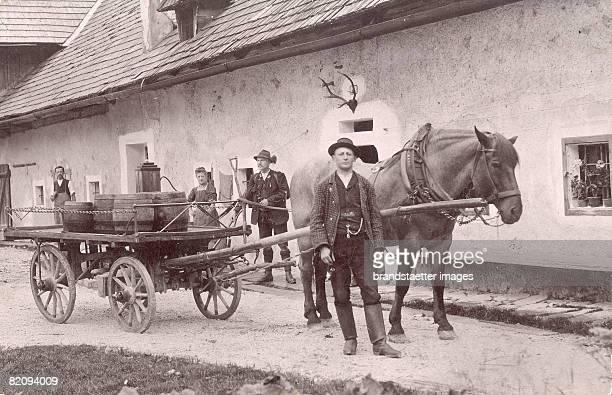 Farmer with horse carriage, Austria, Photograph around 1920 [EIn Bauer mit seinem Pferdewagen mit F?ssern, ?sterreich, Photographie, Um 1920]