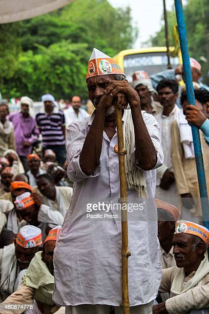 Farmers belonging to the Bundelkhand Kisan union affiliated to Farmers union of India, resorted to one day picketing agitations in the seven Uttar...