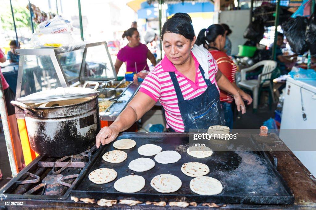 Wochenmarkt in El Salvador : Stock-Foto
