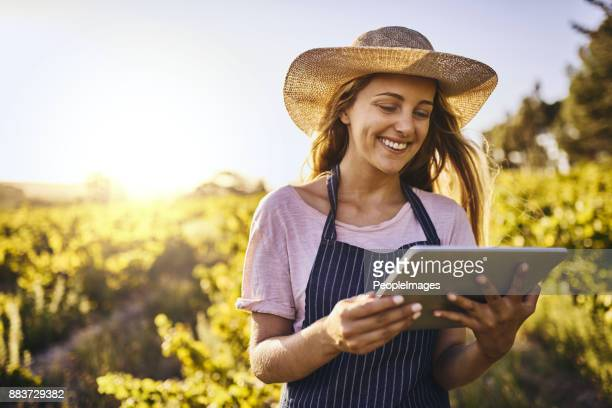 farming in the age of the app - green fingers stock pictures, royalty-free photos & images