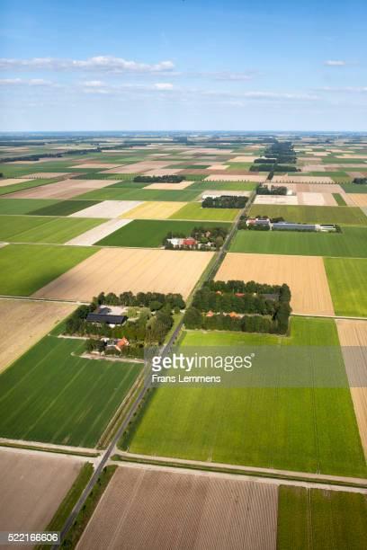 farms and polder landscape in emmeloord - flevoland stockfoto's en -beelden