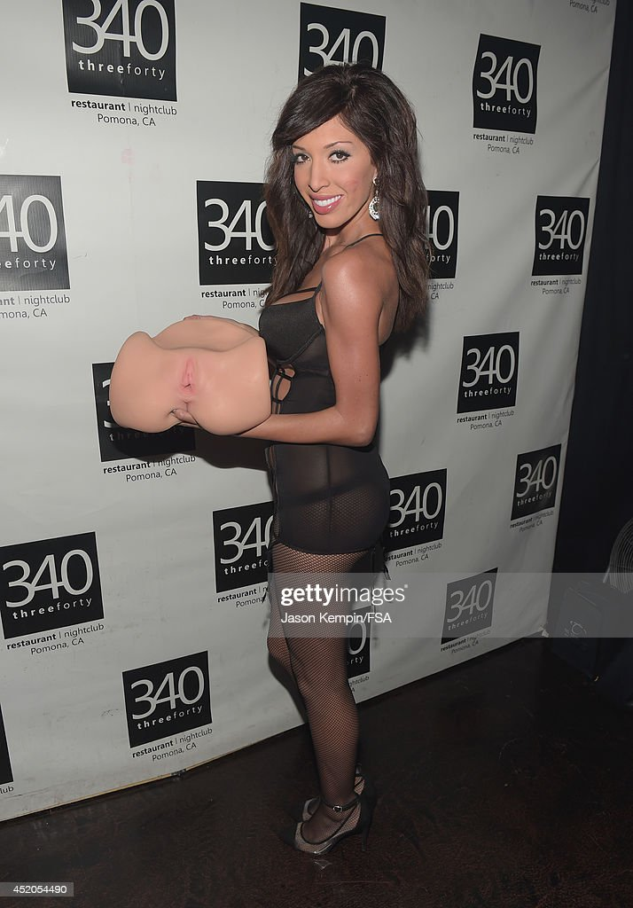 Farrah Abraham Attends The Launch Party For Her New Intimate Line At News Photo - Getty Images-9396