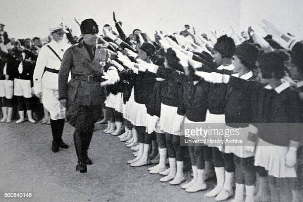 Fascist youth greet Mussolini 1930