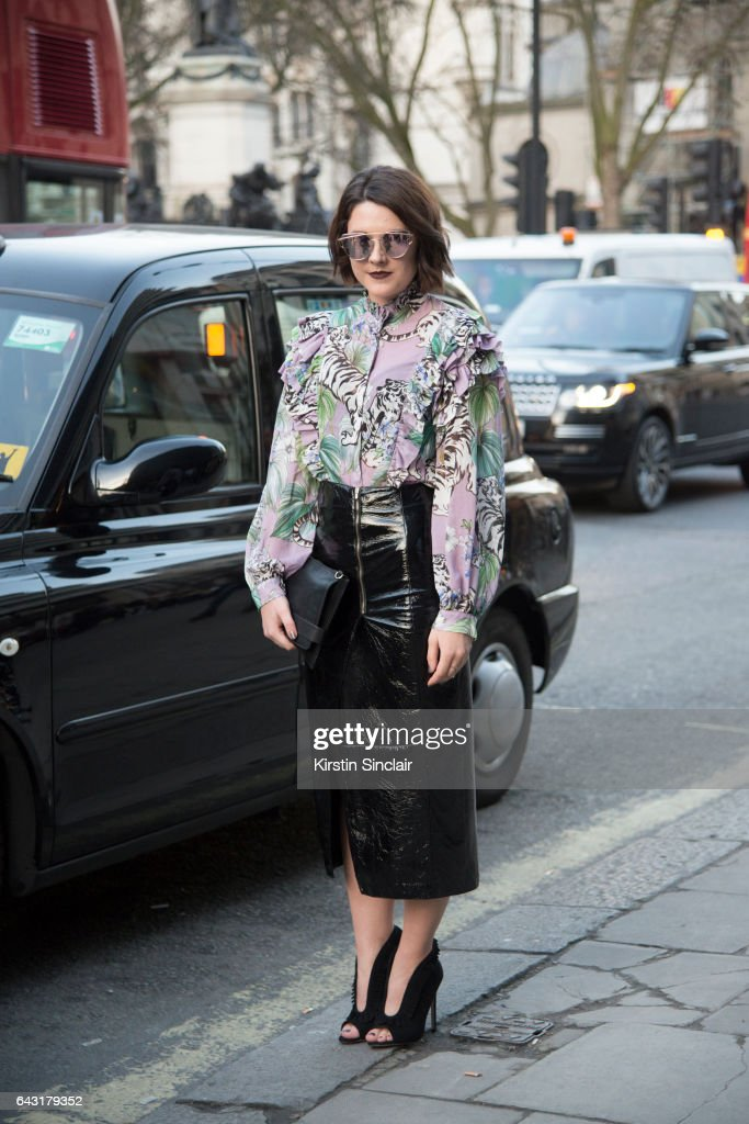 Street Style: Day 1 - LFW February 2017 : News Photo