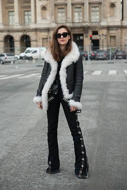 wholesale dealer da60e 7242c Street Style -Paris Fashion Week : Day Four Womenswear Fall ...