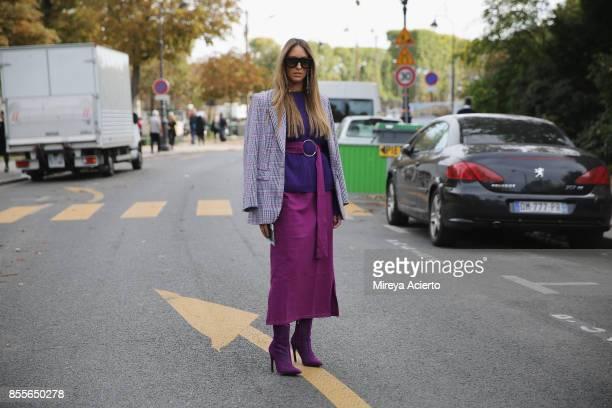 Fashion blogger Elisa Taviti seen during Paris Fashion Week Womenswear Spring/Summer 2018 on September 29 2017 in Paris France