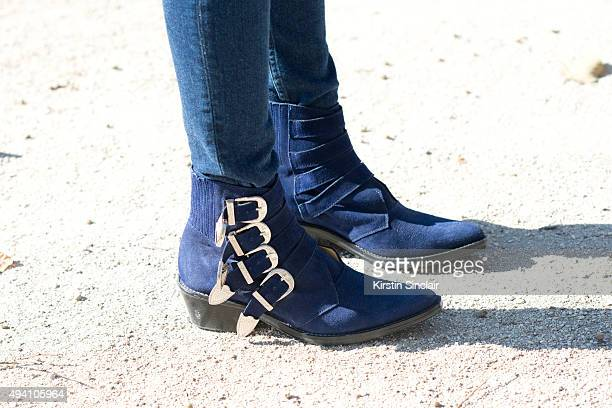 Fashion Blogger Laura Tonda wears 5th Preview jeans and Toga shoes on day 3 during Paris Fashion Week Spring/Summer 2016/17 on October 1 2015 in...