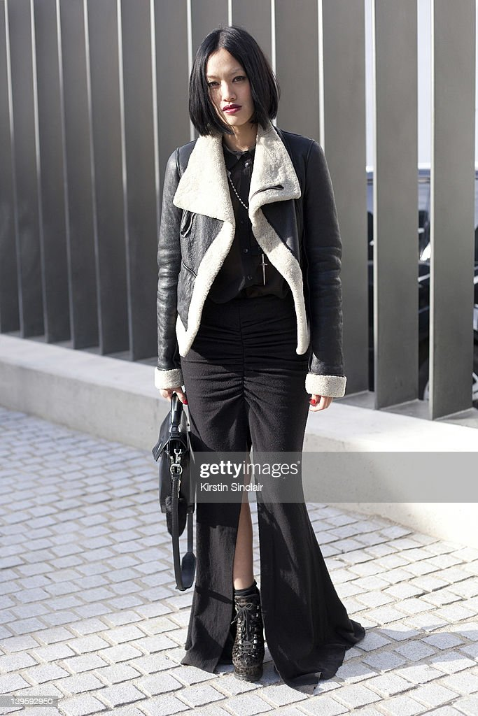 Street Style At LFW 2012 : News Photo