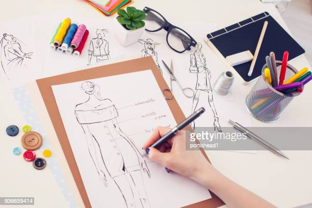 fashion designer and sketches - moda imagens e fotografias de stock