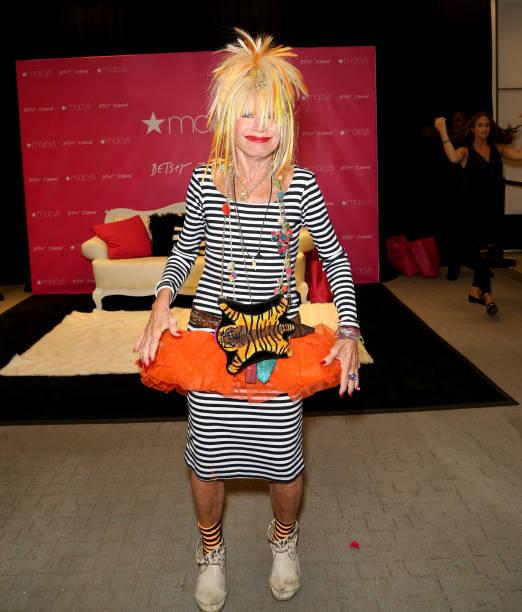 H M Las Vegas Fashion Show Mall