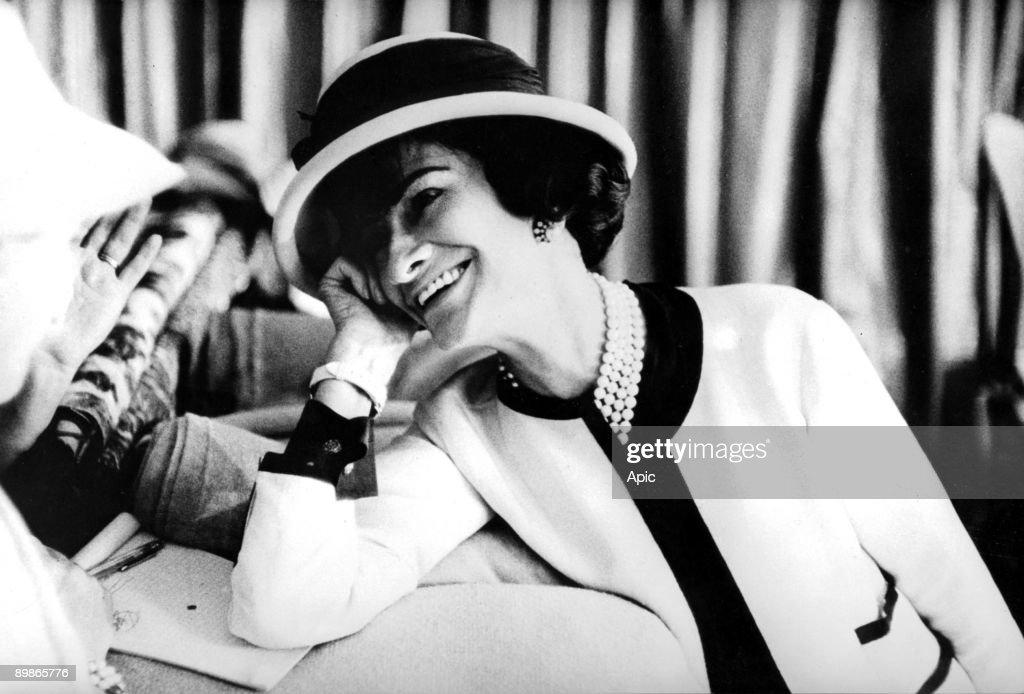 fashion designer Coco Chanel (1883-1971) , c. early 50's : News Photo