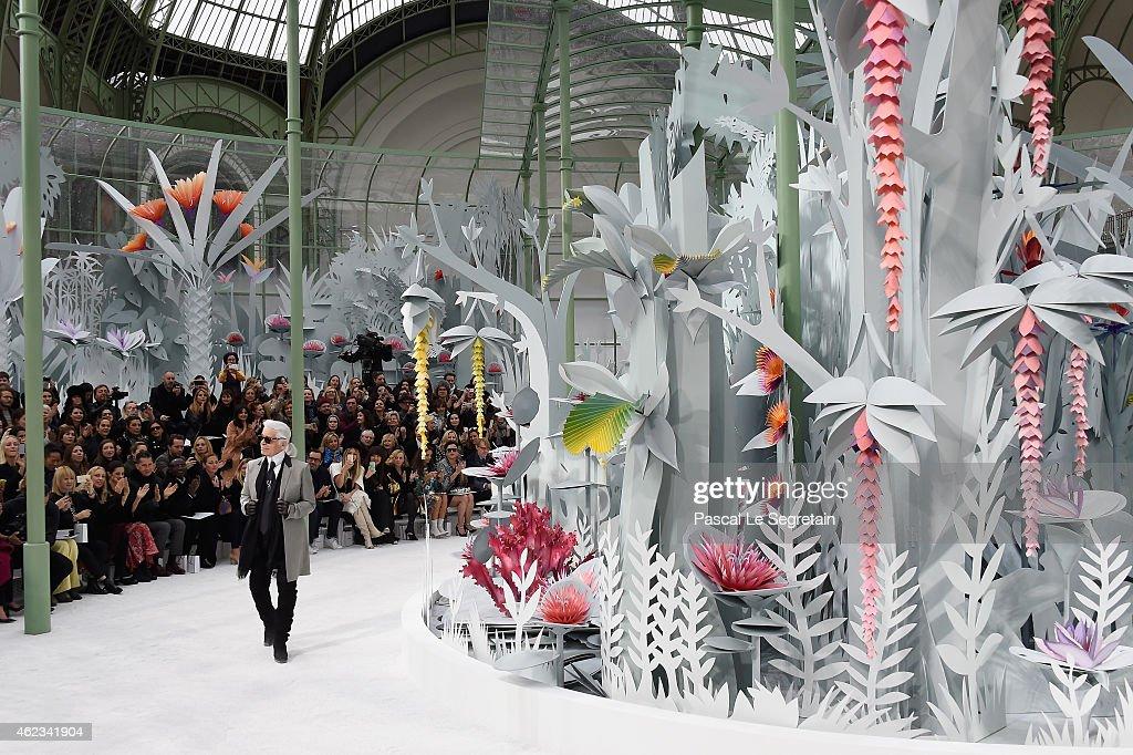 Chanel : Runway - Paris Fashion Week - Haute Couture S/S 2015 : News Photo