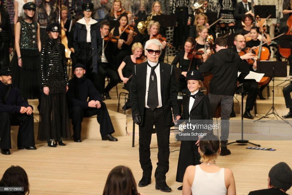 Chanel - Collection Metiers d'Art Paris Hamburg 2017/18 At The Elbphilharmonie - Show : News Photo