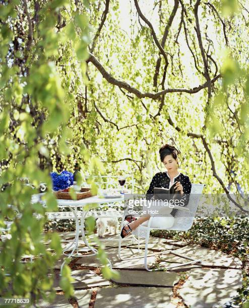 Fashion designer Kate Spade is photographed for InStyle Magazine on May 15 2002 at home in Southampton New York PUBLISHED IMAGE