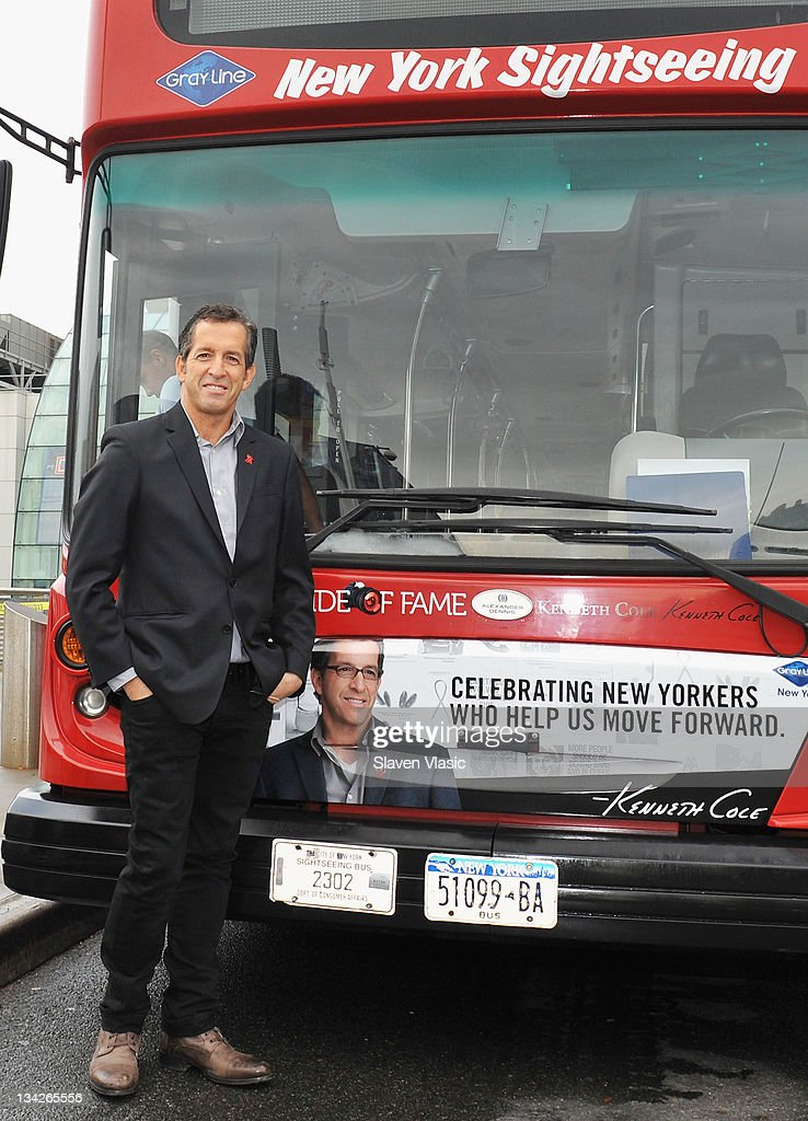 Kenneth Cole Honored By Gray Line New York's 'Ride Of Fame' : News Photo
