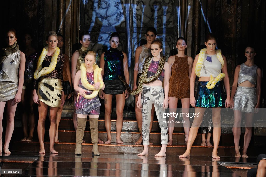 Fashion Designer Madeline Stuart Walks The Runway For The 21 Reasons News Photo Getty Images