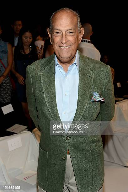 Fashion designer Oscar De La Renta attends the Diane Von Furstenberg Spring 2013 fashion show during MercedesBenz Fashion Week at The Theatre at...