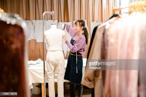 a fashion designer - デザイナー服 ストックフォトと画像