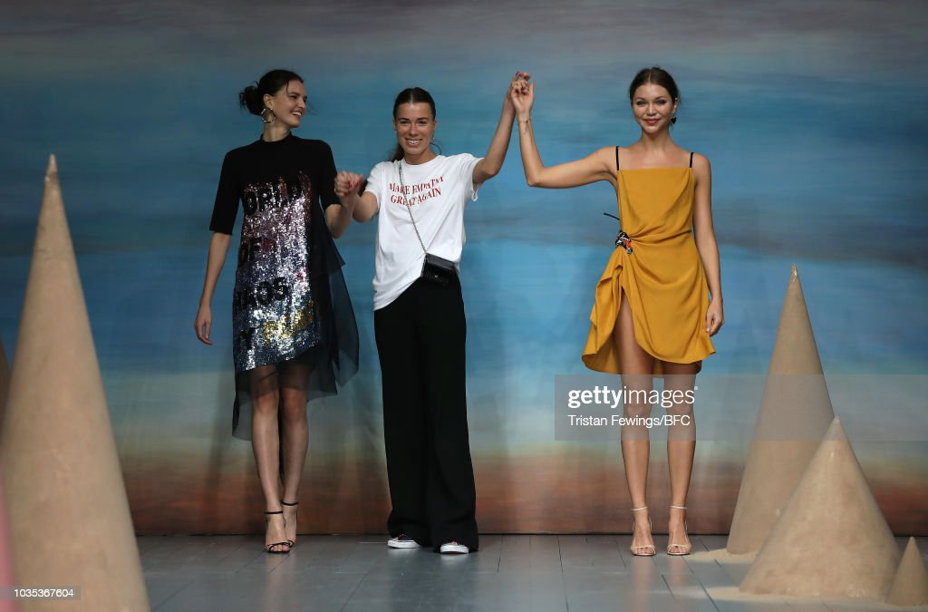 Roberta Einer - Runway - LFW September 2018 : News Photo