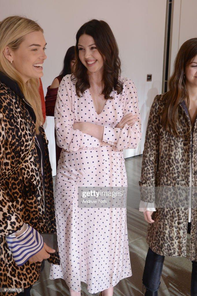 Fashion Designer Tanya Taylor Poses With Models During Tanya Taylor News Photo Getty Images
