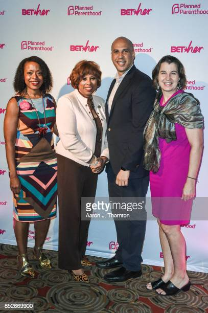 Fashion Designer Tracy Reese Congresswoman Brenda Lawrence Senator Cory Booker and Dawn Laguens pose at the 6th Annual Planned Parenthood Champions...