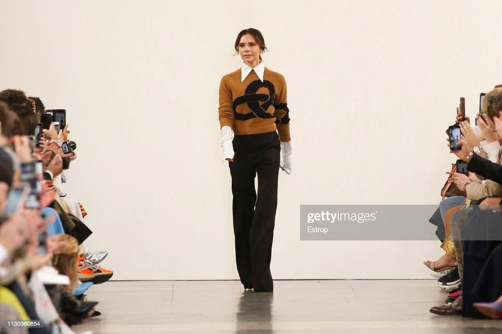 Victoria Beckham - Runway - LFW February 2019 : ニュース写真