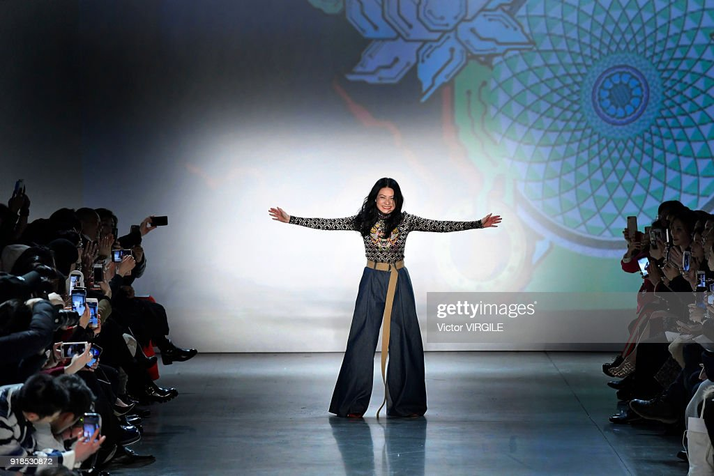 Vivienne Tam - Runway - February 2018 - New York Fashion Week : News Photo