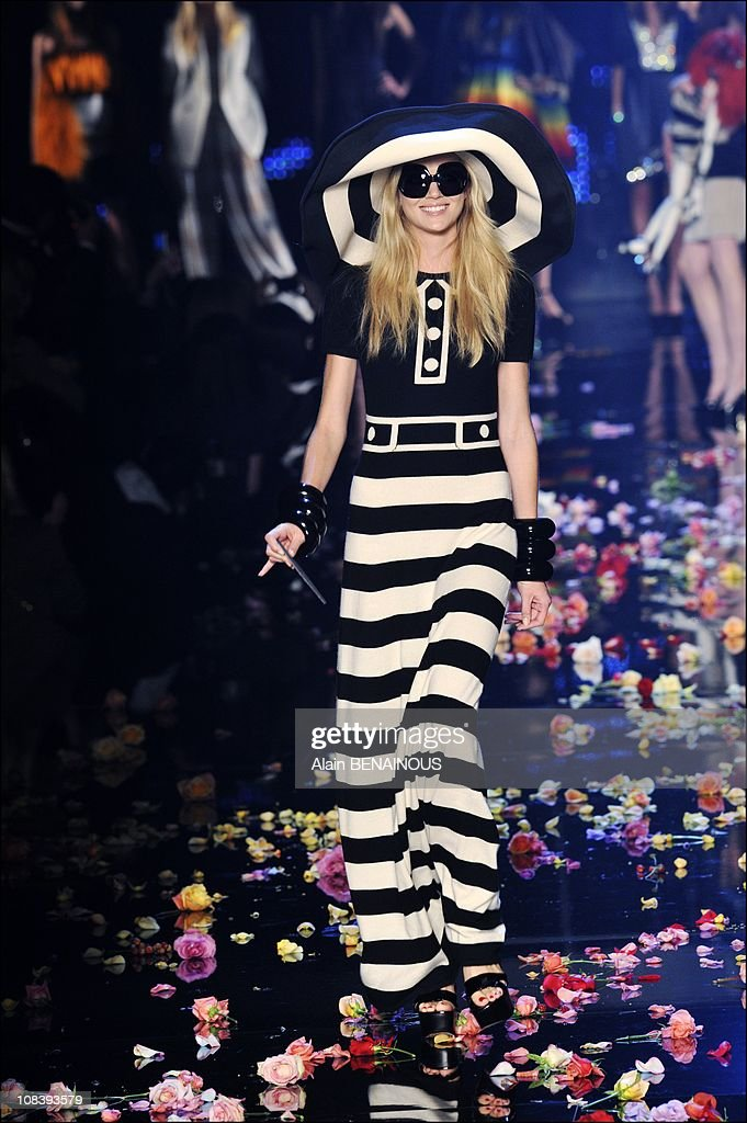 Fashion Designers Pay Tribute To Sonia Rykiel S 40 Years Of Work In News Photo Getty Images