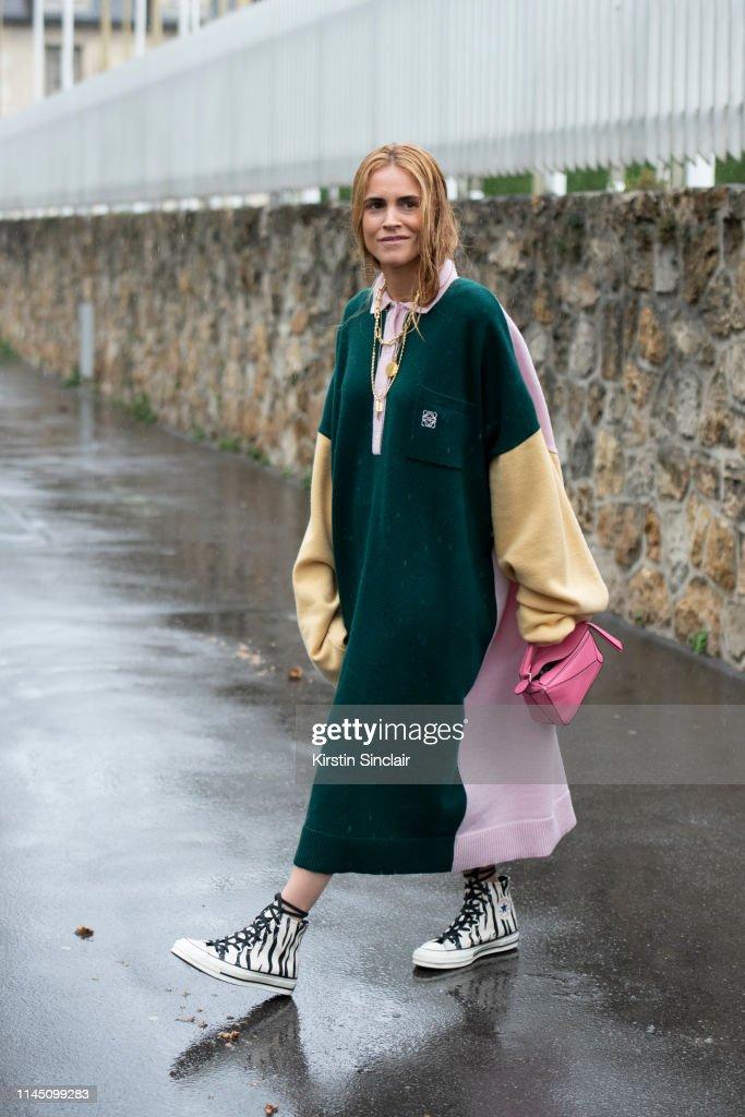 Viscoso Deshonestidad Acusación  Fashion Director and Digital Influencer Blanca Miro Scrimieri wears a...  News Photo - Getty Images