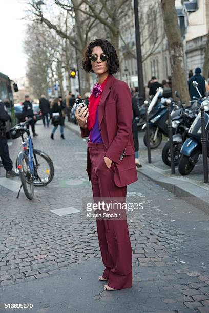Fashion director stylecom Yasmin Sewell wears a Gucci look on day 3 during Paris Fashion Week Autumn/Winter 2016/17 on March 3 2016 in Paris France