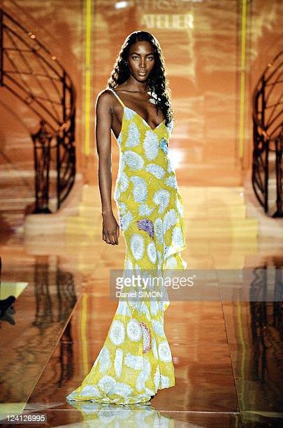 Fashion Haute Couture Spring Summer 97 In Paris France In January 1997 Versace