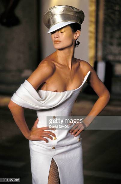 Fashion Haute Couture Spring Summer 97 In Paris France In January 1997 Givenchy