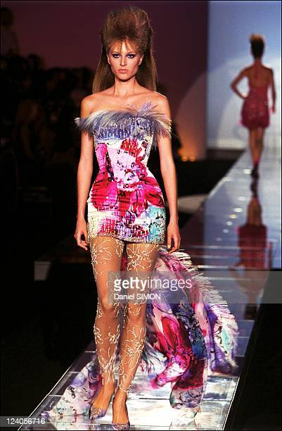 Fashion hautecouture fallwinter 20012002 Versace In Paris France On July 07 2001 Versace