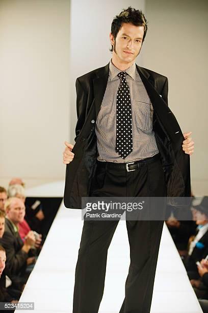 fashion model on runway - ランウェイ・ステージ ストックフォトと画像