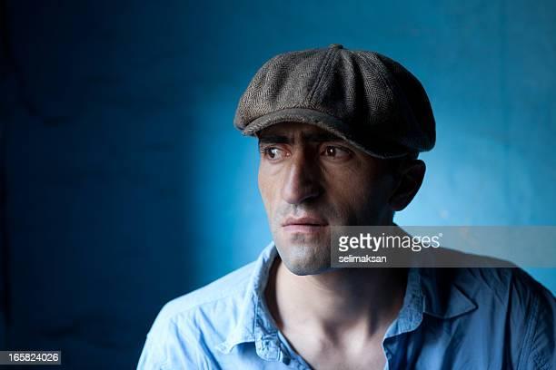 modelo de moda com newsboy - boina masculina - fotografias e filmes do acervo