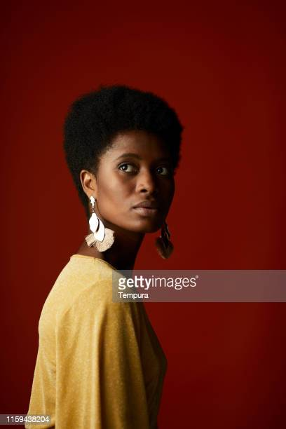 fashion portrait of african american woman. - afro caribbean ethnicity stock pictures, royalty-free photos & images