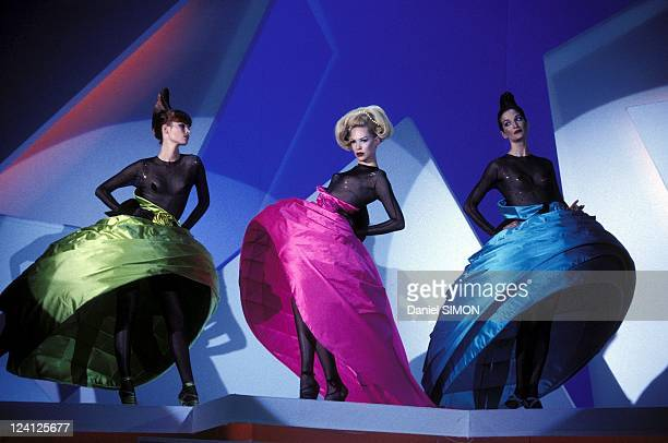 Fashion: Ready to Wear Fall -Winter 95 -96 in Paris, France on March 15, 1995 - Thierry Mugler.