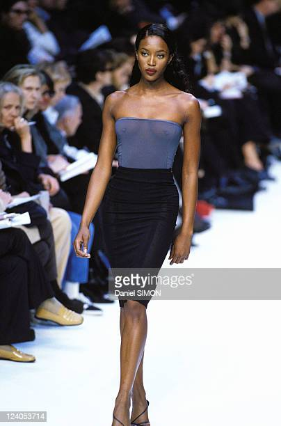 Fashion Ready to wear Fall Winter 97 98 In Paris France On March 11 1997 Cerruti Naomi Campbell