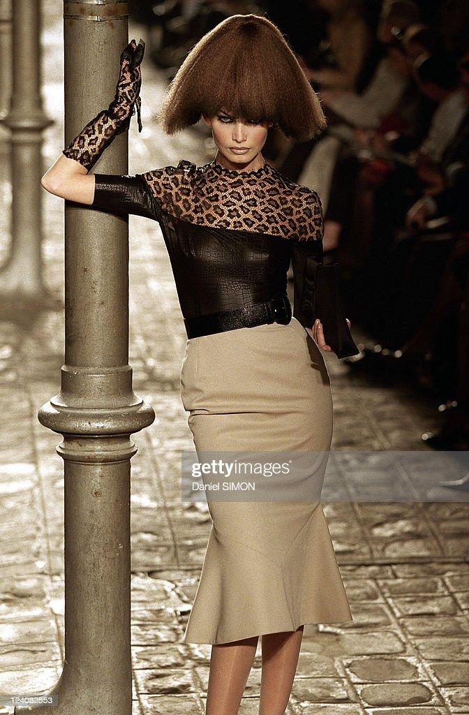 Fashion, Ready To Wear, Fall -Winter 97 -98 In Paris, France On March 11, 1997. : News Photo