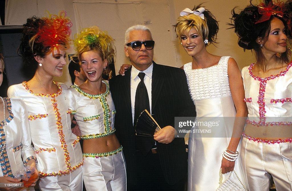 Fashion Ready To Wear Spring-Summer People On October 1st, 1995 : Fotografía de noticias